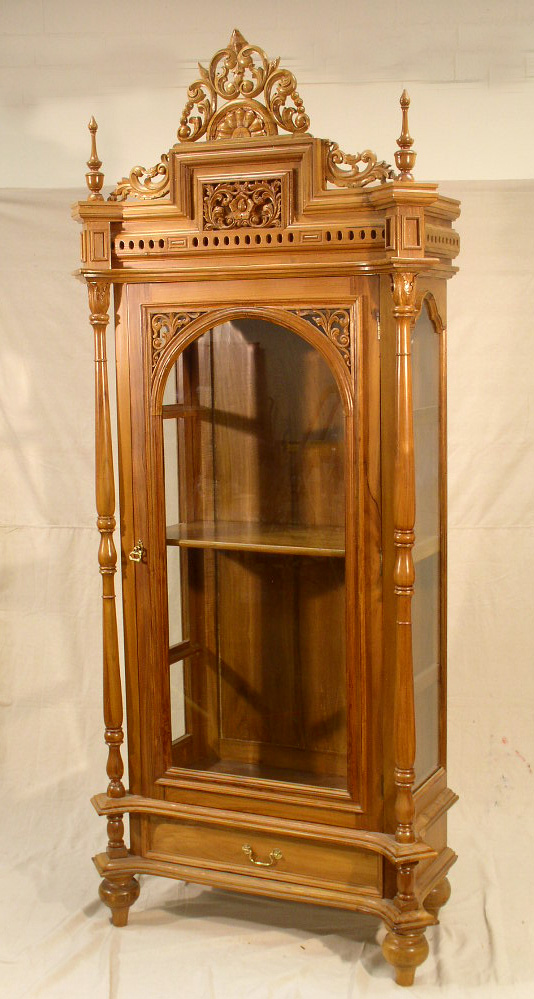quality antique furniture vintage quilts collectibles On furniture auction